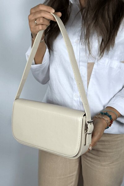 Kadın Krem Kapaklı Baget Çanta