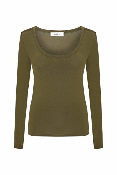 Kadın Kahverengi Geniş Yaka Basic Bluz IW6200070050