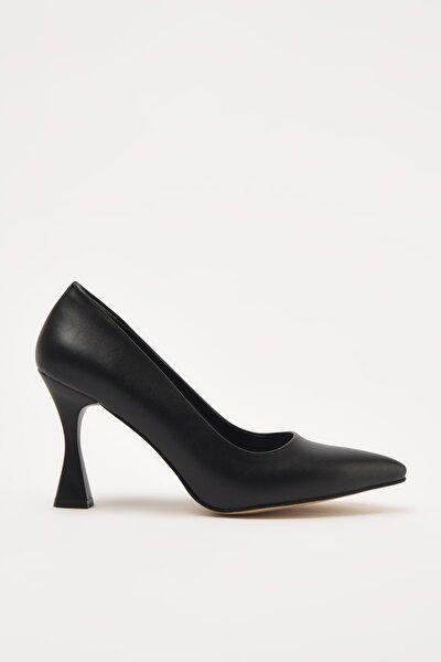Siyah Kadın Klasik Topuklu Ayakkabı 01AYY209140A100