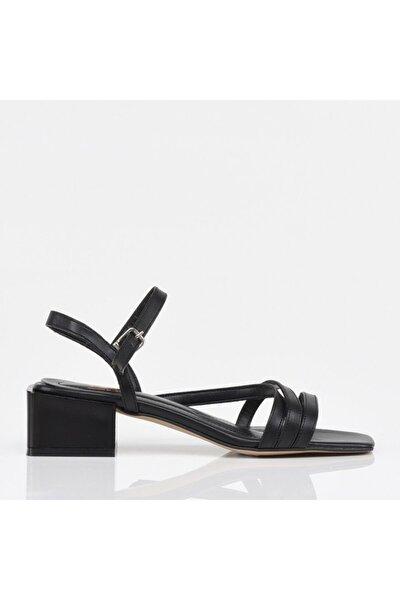 Siyah Yaya Kadın Sandalet