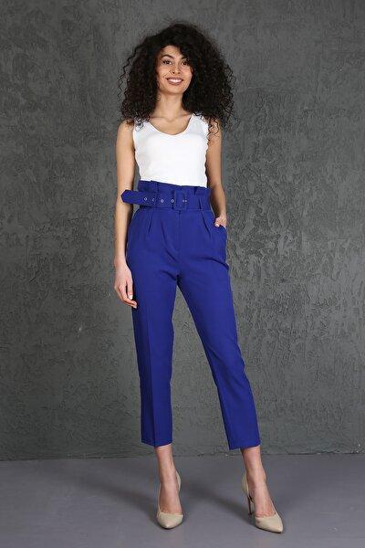 Kadın Mavi Havuç Pileli Kalın Kemerli Kumaş Pantolon