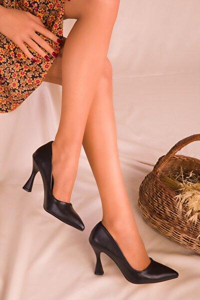 Siyah Kadın Klasik Topuklu Ayakkabı 16002