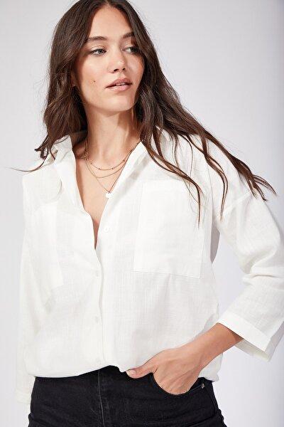 Kadın Beyaz Cepli Keten Gömlek US00104