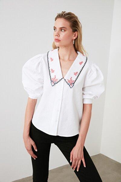 Beyaz Yaka Detaylı Gömlek TWOAW20GO0337