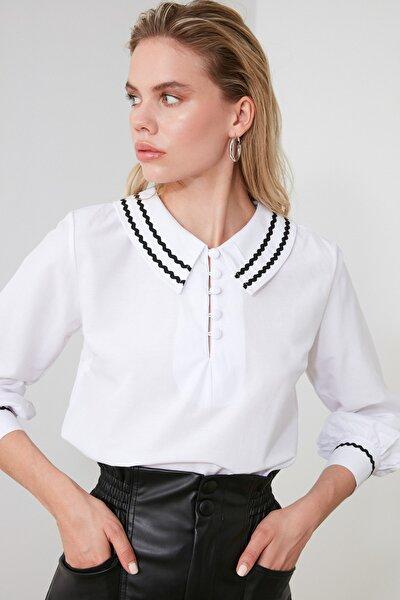 Beyaz Yaka Detaylı Bluz TWOSS20BZ0036