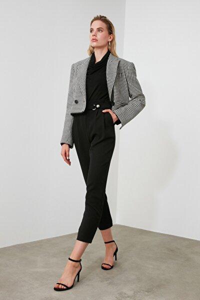 Siyah Beli Çıtçıtlı Pileli Havuç Pantolon TWOSS20PL0131