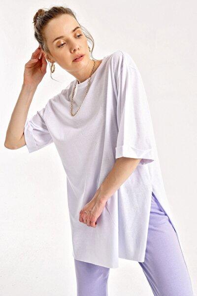 Kadın Kol Katlı Yırtmaçlı T-shirt Beyaz 4123