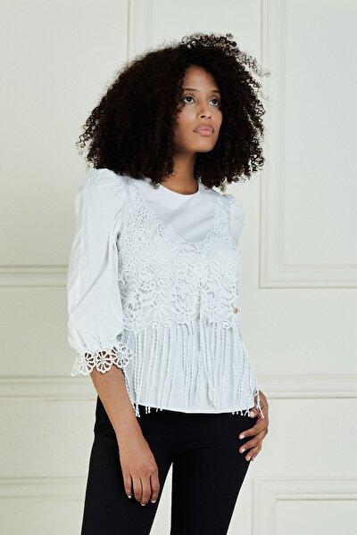 Kadın Beyaz Önü Güpür Detaylı Truvakar Kol Pamuk Bluz Jb20101