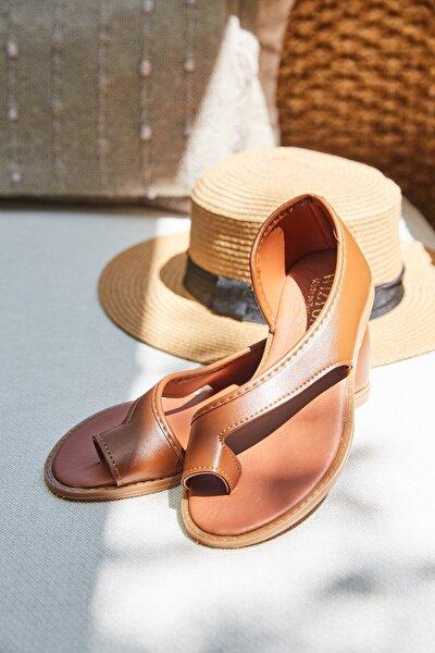 Kadın Kahverengi Parmak Arası Sandalet