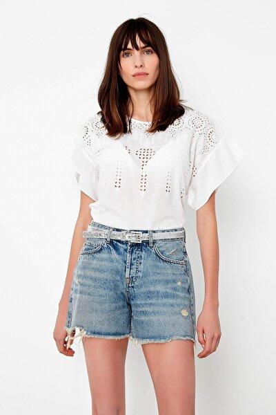 Kadın Beyaz Beyaz İş Detaylı Bluz IS1200006171002