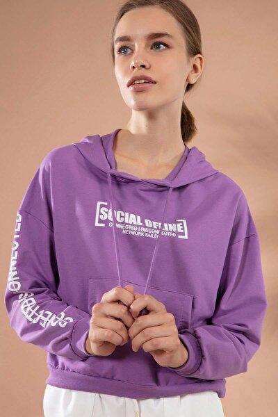 Kadın Baskılı Kanguru Cepli Kısa Sweatshirt Y20w167-7612
