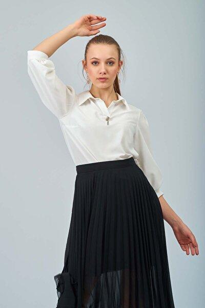 Kadın Beyaz Taş Tokalı Bluz