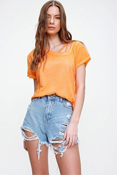 Kadın Turuncu Askı Detaylı Yıkamalı T-Shirt MDA-1124