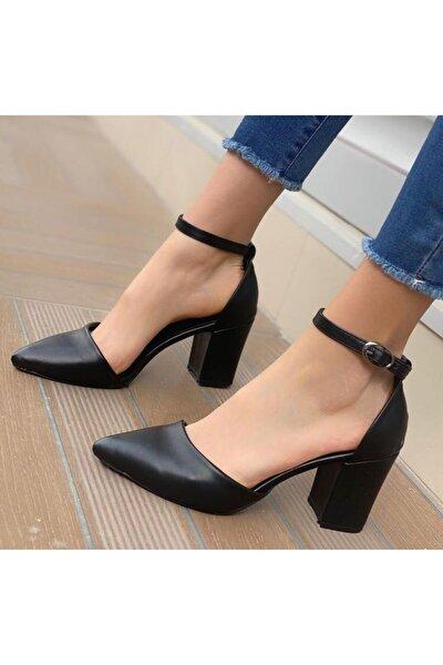 Kadın Siyah Tek Bant Topuklu Ayakkabı