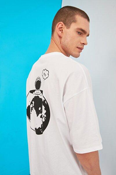 Beyaz Erkek Oversize Sırt Baskılı Bisiklet Yaka T-Shirt TMNSS21TS0750