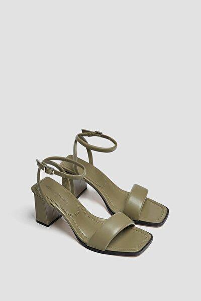 Kadın Haki Dolgulu Bantlı Topuklu Sandalet