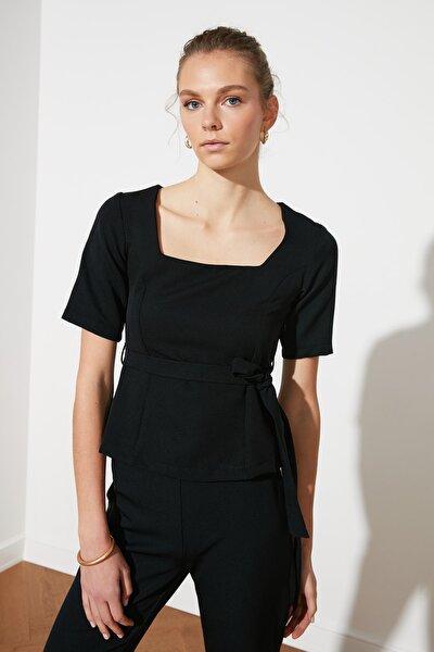 Siyah Kuşaklı Bluz TWOSS21BZ1226