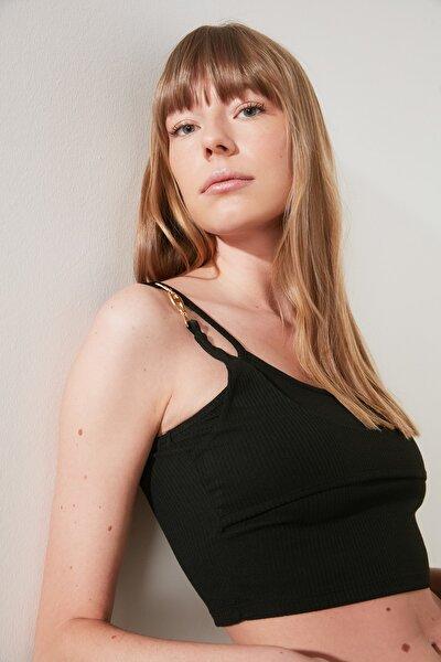Siyah Fitilli Toka Detaylı Örme Bluz TWOSS21BZ1305
