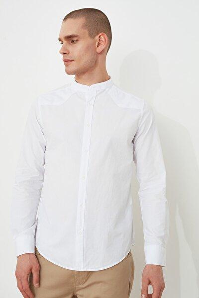 Beyaz Erkek Slim Fit Hakim Yaka Gömlek TMNSS21GO0906