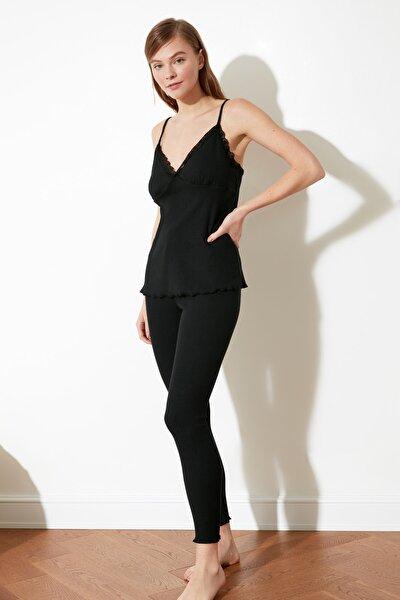 Siyah Dantel Detaylı Kaşkorse Örme Pijama Takımı THMSS21PT0211