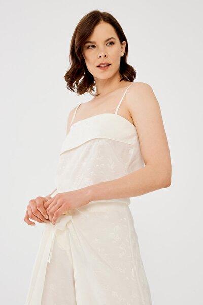 Kadın Kemik Saten Yüzeyli Askılı Bluz
