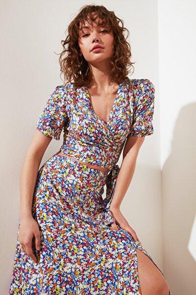 Çok Renkli Petite V Yaka Bluz TWOSS21BZ1521