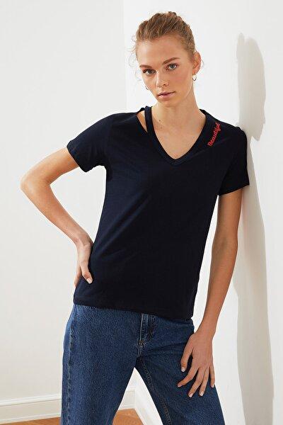 Lacivert Nakışlı Basic Örme T-Shirt TWOSS21TS1404