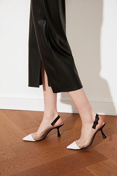 Siyah Kadın Klasik Topuklu Ayakkabı TAKSS21TO0056