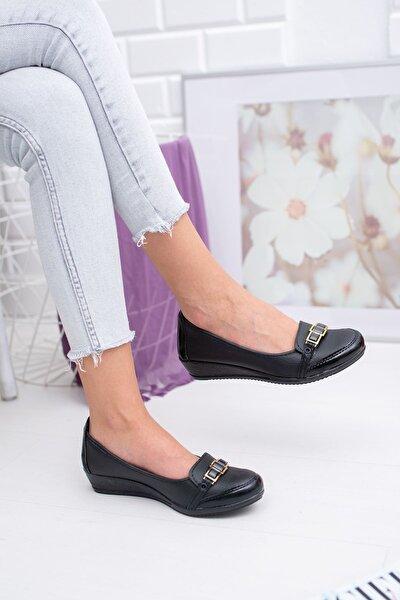 Kare Taşlı Siyah Cilt Ayakkabı