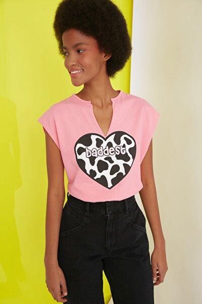 Pembe Baskılı Semifitted Örme T-Shirt TWOSS21TS1181