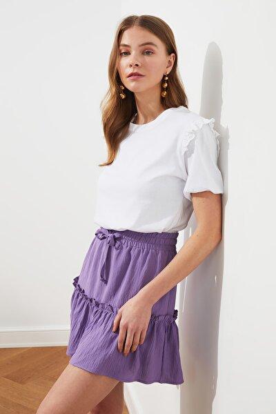 Beyaz Brode Detaylı Basic Örme T-Shirt TWOSS21TS0663