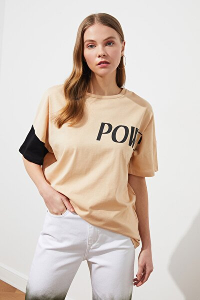 Bej Boyfriend Baskılı Örme T-Shirt TWOSS21TS1365