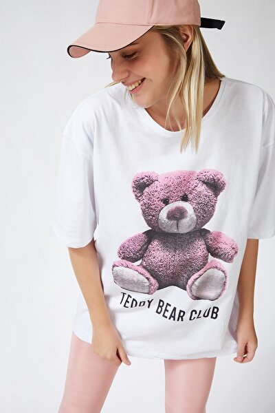 Kadın Beyaz Baskılı Oversize Uzun Penye T-shirt ZV00104