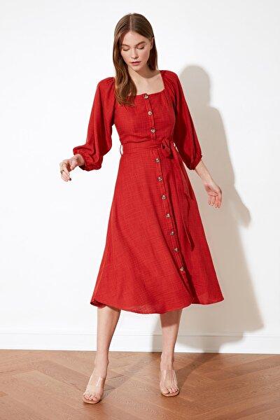 Tarçın Kuşaklı Düğmeli Elbise TWOSS19IE0009