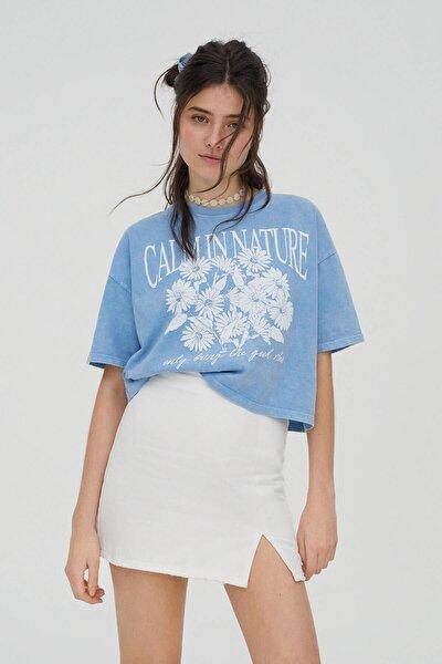 Kadın Soluk Mavi Grafik Papatya Baskılı T-Shirt 04240398