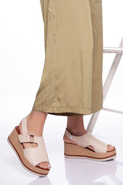 Kadın Bej Dolgu Topuklu Ayakkabı