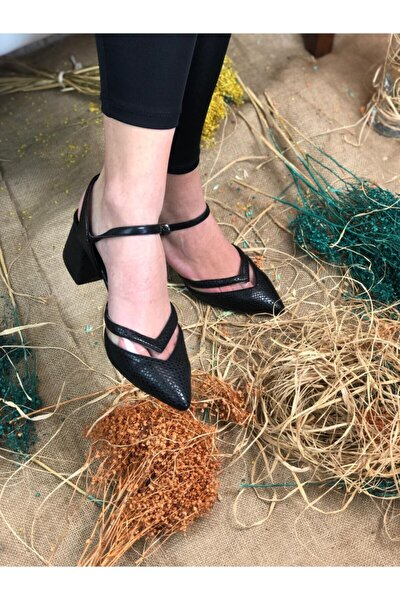Kadın Sivri Burun Desenli Şeffaf Detaylı Siyah Topuklu Ayakkabı