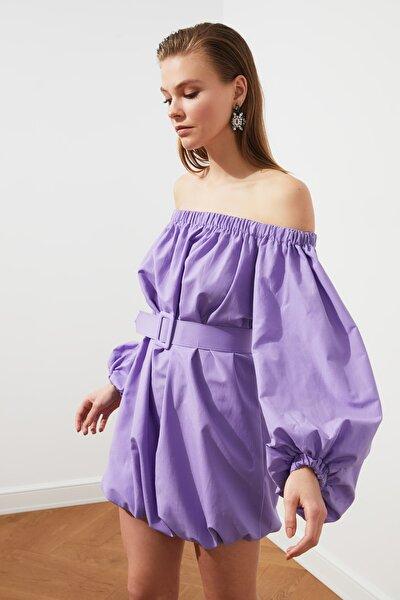 Lila Yaka Detaylı Kemerli Poplin Elbise TPRSS21EL1441