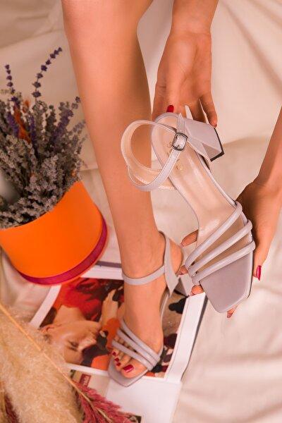 Gri Kadın Klasik Topuklu Ayakkabı 15831
