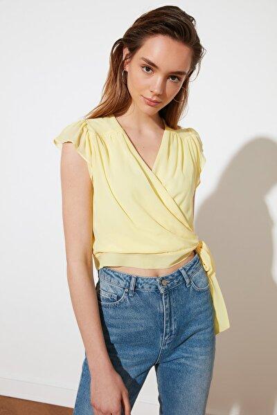 Sarı Kruvaze Yaka Bluz TWOSS21BZ1113