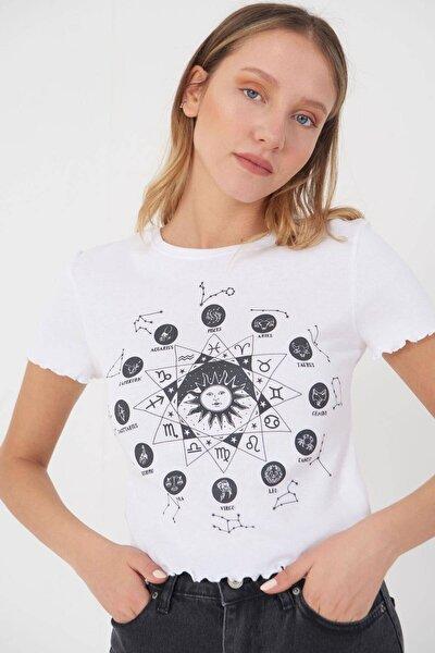 Kadın Beyaz Önü Baskılı T-Shirt P0909 - J13 Adx-0000022127