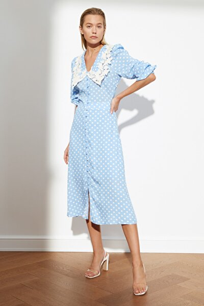 Mavi Puantiyeli Yaka Detaylı Elbise TWOSS21EL0350