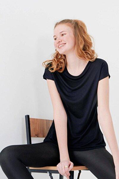 Kadın Siyah Bisiklet Yaka T-Shirt P0375 - S10 Adx-00012501