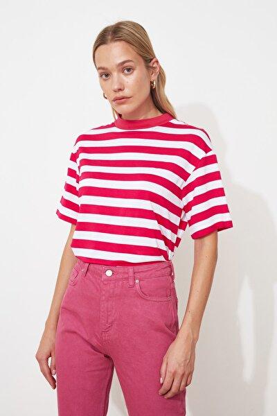 Pembe Çizgili Basic Dik Yaka Örme T-Shirt TWOSS21TS1204