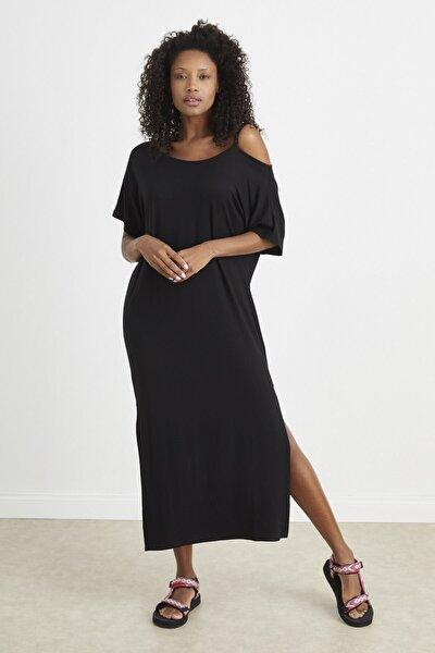 Siyah Kayık Yaka Uzun Elbise