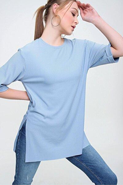 Kadın Mavi Yırtmaçlı Uzun Tişört