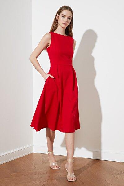 Kırmızı Pileli Elbise TWOSS20EL0980