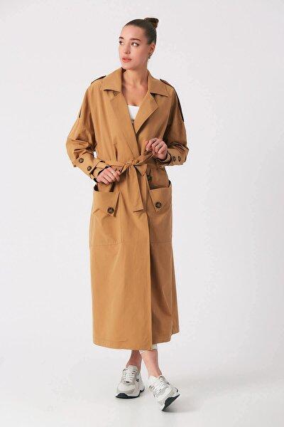 Kadın Kahverengi Cep Detaylı Kuşaklı  Trençkot