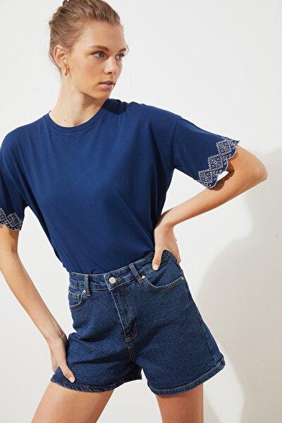 Lacivert Dantel Detaylı Brodeli Örme Bluz TWOSS20BZ1587