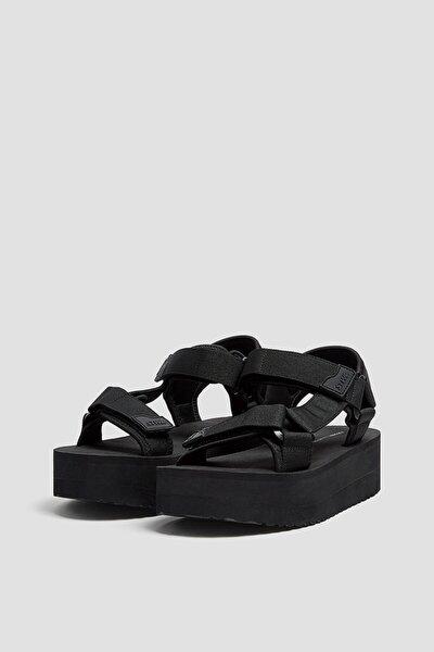 Kadın  Siyah Tırtıklı Tabanlı Platform Sandalet 11703740